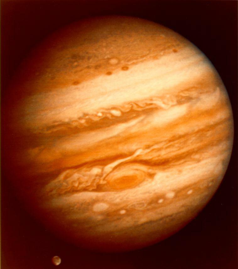 http://phys-sun-1.phys.boun.edu.tr/~semiz/universe/near/12ext/Jupiter.jpg